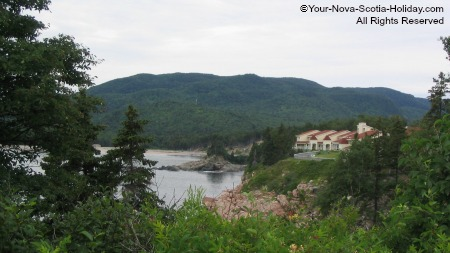 A hotel overlooking Ingonish Beach in Cape Breton