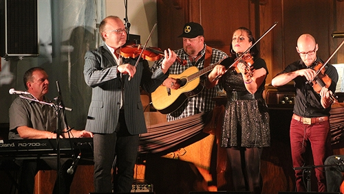Kyle & Sheumas MacNeil, J.P. Cormier and 2 members of The Fretless at Celtic Colours in Cape Breton.