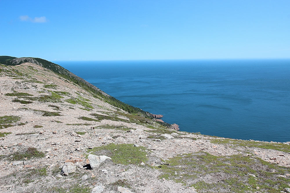 An outstanding view of the Atlantic Ocean from the top of the Kauzmann hiking trail.